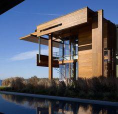 Malibu Beach House By Richard Meier Partners Architects Architecture Houses Architecture, Residential Architecture, Amazing Architecture, Contemporary Architecture, Interior Architecture, Contemporary Homes, Chinese Architecture, Futuristic Architecture, Malibu Beach House