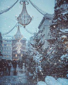 Snowing in Vienna