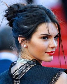 "978 Me gusta, 38 comentarios - Kendall Jenner (@kendall.dope) en Instagram: ""Hair ✔ Follow me (@kendall.dope) #kendalljenner #wcw #gaintrick  #followme #photooftheday…"""