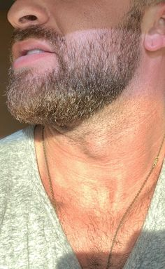Finally learning how to properly trim/upkeep the beard. Been growing/trimming for about a month and a half Beard Rules, Adam's Apple, Full Beard, Beard Growth, Beard Trimming, Mens Hair, Beard Oil, Man Stuff, Moustache