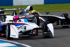 Campeonato de máquinas elétricas têm grid estrelado para temporada de estreia em 2014/2015.