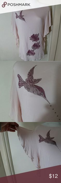 Hennes size medium mauve hummingbird top 90% rayon 10% spandex scoop neck batwing sleeves that tie at the bottom.  Faux gems emulate nectar coming from the hummingbird's mouth to the flower the bird is even jeweled.  All that you see pictured is not an applique it has been steamed into the fiber of the top and its magnificent live! hennes Tops