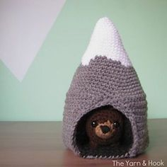 [Free Pattern] This Beary Cute Mountain Play Set Makes A Unique Gift For Kids - http://www.dailycrochet.com/free-pattern-this-beary-cute-mountain-play-set-makes-a-unique-gifts-for-kids/