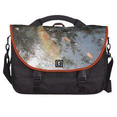 Goldfish under water, Commuter Bag