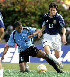 Messi Soccer, Ronaldo, Football, Running, Sports, Soccer, Argentina, Hs Sports, Futbol