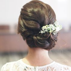 What a lovely bridal hairstyle I did for Amelia (lovely name too!) for her wedding. Super love.  Singapore Hair and Makeup by Jennifer Koh of Iheartblooms   www.iheartblooms.com