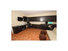 MLX: A2081017 Garage/Office Space