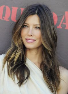 Another plus with going with balayage trend jessica-biel-Balayag