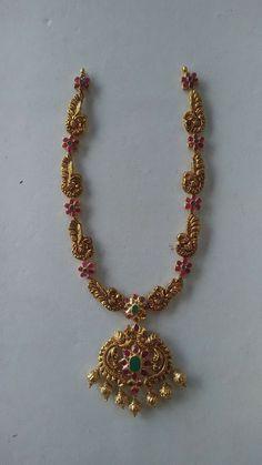 Kids Gold Jewellery, Gold Jewelry Simple, Golden Jewelry, Gold Jewellery Design, Gold Earrings Designs, Necklace Designs, Jewelry Model, Jewelry Patterns, Bridal Jewelry