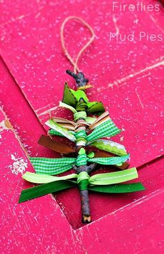 Clear out your ribbon stash with these adorable Ribbon Tree Homemade Christmas Ornaments. Simple DIY Christmas ornaments like these will make Christmas fun! Noel Christmas, Christmas Crafts For Kids, Xmas Crafts, Diy Christmas Ornaments, Christmas Projects, Winter Christmas, Homemade Ornaments, Ornaments Ideas, Christmas Activities