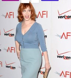 15 Top Beauty Secrets from Female Celebrities TOP 15 Female Celebrity Beauty Secrets Christina Hendrick's perfect legs. She says that if she's going to be wearing a short dress or skirt that day, her Christina Hendricks Bikini, Cristina Hendricks, Top Celebrities, Celebs, Brigitte Macron, Beautiful Christina, Elisabeth Moss, Perfect Legs, Celebrity Beauty