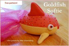 Goldfish Softie - Free Pattern! - sew-whats-new.com