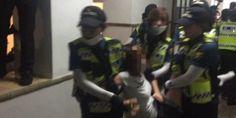경찰 1600명이 이화여대에 들이닥쳤다(사진, 영상)