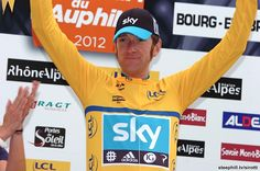 Bradley Wiggins extends his overall lead heading into the mountain stages