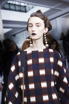Retro Beauties Backstage at Marni Fall 2016 - -Wmag