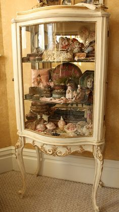 French Laundry: My New Not So Old French Vitrine painted with ASCP base coat… Furniture Ads, Furniture Removal, French Furniture, White Furniture, Furniture Makeover, Painted Furniture, Furniture Buyers, Furniture Outlet, Antique Furniture