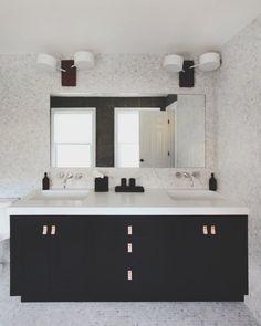 super ideas for kitchen white grey tiles grout Grey Tile Grout, Arabesque Tile Backsplash, Grey Tiles, Kitchen Tiles Design, Kitchen Wall Tiles, Kitchen Backsplash, Stone Backsplash, Shower Floor Tile, Bathroom Floor Tiles