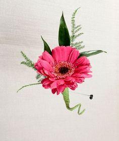 gerber daisy boutonnieres | Stadium Flowers - Gerbera Daisy Boutonniere