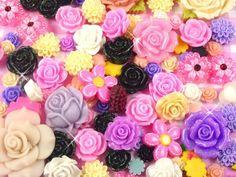 20 x Kawaii Kitsch Flowers Resin Flat Back Cabochons Beads Decoden.