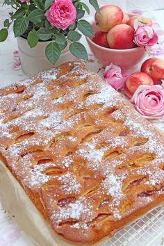 Fruchtiger karamellisierter Nektarinenkuchen mit Rosmarin French Toast, Breakfast, Food, Simple, Rosemary Recipes, Morning Coffee, Essen, Meals, Yemek