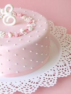 A pretty pink cake Fancy Cakes, Cute Cakes, Pretty Cakes, Gorgeous Cakes, Amazing Cakes, Fondant Cakes, Cupcake Cakes, Sweets Cake, Baby Shower Cake Sayings