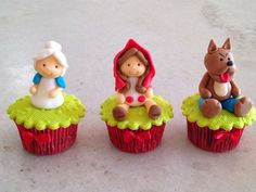 Little red riding hood cupcakes Fondant Cupcake Toppers, Fondant Cakes, Cupcake Cookies, Fancy Cakes, Mini Cakes, Bolo Minion, Cupcakes Flores, Toddler Birthday Cakes, Red Riding Hood Party