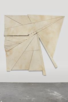 """likeafieldmouse: Wyatt Kahn - Contender - Unpainted canvases stretched onto irregularly shaped frames Artist's statement: """"I am trying to push sculpture to the limits of painting. Bauhaus, Bokashi, Cg Art, Art Object, Contemporary Paintings, Installation Art, Art Installations, Art And Architecture, Sculpture Art"""