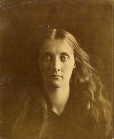 Julia Margaret Cameron, Victoria & Albert Museum, London, UK (Julia Jackson, Julia Margaret Cameron, 1867, albumen print from wet collodion glass negative. Museum no. PH.361-1981)