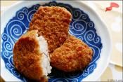 Potato Croquettes recipe from ifood. Using a potato masher, food mill, or ricer, thoroughly mash potatoes in a bowl or rice them into a bowl. Croquettes Recipe, Potato Croquettes, Potato Ricer, Food Mills, Looks Yummy, Sunday Night, Us Foods, Mashed Potatoes, Macaroni And Cheese