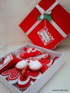 Vianočné srdiečka z filcu :: Victoria'S Craft Room