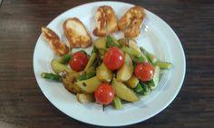 Gebratener grüner Spargel mit Kirschtomaten und Kartöffelchen, ein schönes Rezept aus der Kategorie Gemüse. Bewertungen: 133. Durchschnitt: Ø 4,5.