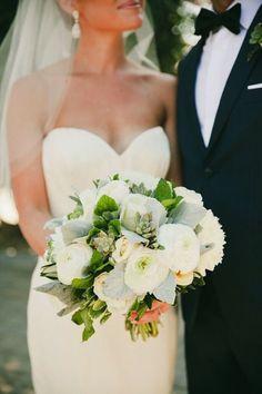 Chic wedding dress idea; photo: Onelove Photography