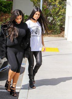 Kim Kardashian Photos Photos - Kim Kardashian and Kourtney Kardashian are seen out together on March 9, 2016. - Kim Kardashian and Kourtney Kardashian Have Lunch