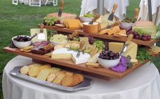 cheese display to go with the wine. i love cheese. Cheese Bar, Cheese Platters, Cheese Food, Fingers Food, Appetizer Recipes, Appetizers, Cheese Display, Catering Display, Appetizer Table Display