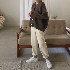 winter outfits korean 9 Aesthetic Outfits Korean Boyish Source by aesthetic Boyish korean Outfits Vintage outfits Winter Grunge Winter Outfits, Outfits Casual, Mode Outfits, Fashion Outfits, Fashion Trends, Trending Fashion, Casual Clothes, Korean Winter Outfits, Boyish Outfits