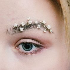 Garden brows are the latest trend to take over instagram and is a refreshing take on spring beauty. // garden brows trend, garden brows instagram