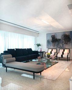 Recamier: 50 modelos para decorar a casa com elegância e charme Outdoor Sofa, Outdoor Furniture, Outdoor Decor, Decoration, Dining Bench, House Design, Living Room, Luxury, Home Decor