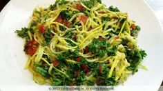 Yellow Squash Pasta Salad: a raw vegan meal that tastes amazing! http://thewritingculturist.wordpress.com/2013/01/23/yellow-squash-pasta/