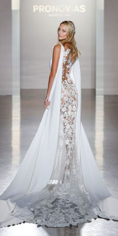 Sleeveless Floral Lace Embroidered Wedding Dress