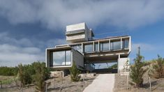 Casa Golf by Luciano Kruk, integrating architecture with the environment - PornArchitecture Style At Home, Suite Principal, Golf Pictures, Seaside Resort, Space Interiors, Amazing Buildings, International Style, Home Fashion, My House