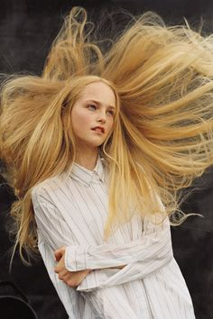 Beauty | hair & makeup | blonde hair | naturally blonde | strawberry blonde | long straight hair | jean campbell | fashion photography @monstylepin