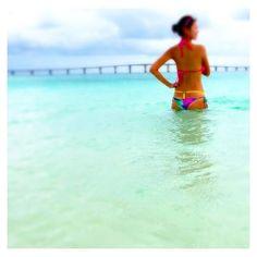 【tamaki.t55】さんのInstagramをピンしています。 《今すぐここに戻りたい🐠🐢🌴🌺🏃最近、手抜き過ぎて寸胴やん😱#ブラジリアンビキニ やっぱりずれてくる😓サイズが合ってないとカッコ悪いー👻洗濯すると色落ち凄いし、全部ピンク色(笑) #沖縄 #宮古島 #okinawa #miyakojima #beach #ビーチ #海 #絶景スポット #景色最高  #日焼け #小麦肌 #地黒 #夏女 #ロコガール #ビキニ  #tバック水着 #大きい #腹筋割る #頑張ろ #隠れ肥満  #自分磨き #メンテナンス  #与那覇前浜ビーチ》