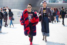 STREETSTYLE   Seoul Fashion Week FW17 - Fucking Young!