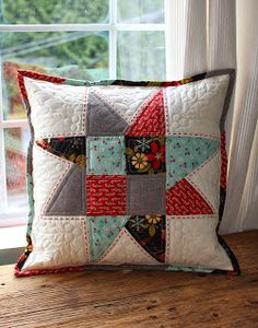 Christmas Star Pillow - PatchworkPottery