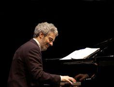 """NICOLA PIOVANI"" #emiliaromagnateatro #Cesena #TeatroBonci #stagione20162017 #theatre #stage #musica #NicolaPiovani #PremioOscar  #concerto #lamusicaepericolosa #Fellini"