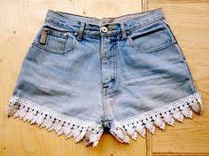 Toda mulher tem alguma calça encostada no guarda roupa, aposentada há algum tempo, que agora apenas a função de juntar mofo.