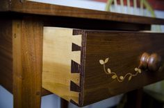 Half-blind dovetail drawers. Gorgeous 1820s Reproduction Furniture built by George Lott (WoodAndShop.com).