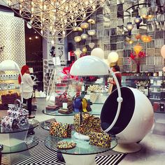 See 1486 photos from 9645 visitors about concept store, gardens, and shop in milano. Italy Places To Visit, 10 Corso Como, Shopping In Italy, Interior And Exterior, Interior Shop, Milan City, Home Goods Store, Cool Store, Shop Interiors