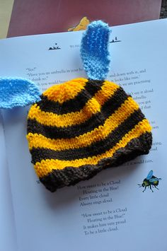 Bee hat - newborn size