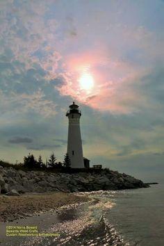 Crisp Point Lake Superior Crisp Point Lighthouse, Montauk Lighthouse, Life Paint, Beacon Of Light, Lake Superior, Covered Bridges, Ocean Life, Vacation Spots, Michigan